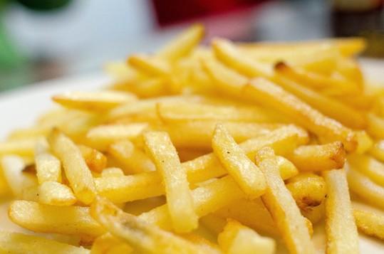 健康警惕:比香烟还要危险的4大致癌食品