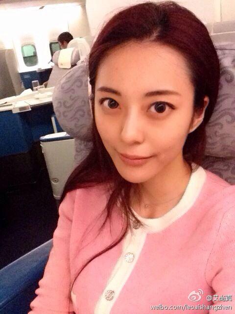 26岁重庆美女获称中国大学身材美女女子唱歌最好图片