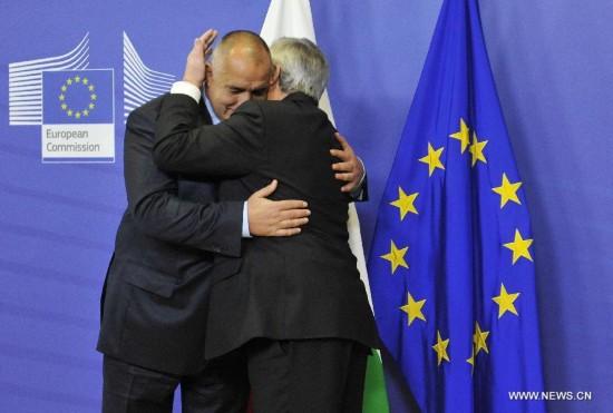 European Commission President Jean-Claude Juncker (L) meets with Prime Minister of Bulgaria Boyko Borissov at EU headquarters in Brussels, Belgium, Dec. 4, 2014.