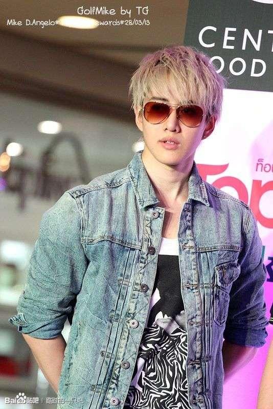 7月24日晚,泰国媒体爆料,人气男星Mike在泰国召开发布会,公开承图片