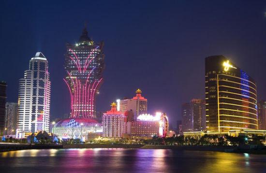 资料图:澳门新葡京赌场夜景
