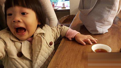 小S女儿林青霞女儿全像爹 没遗传妈美貌的星二代