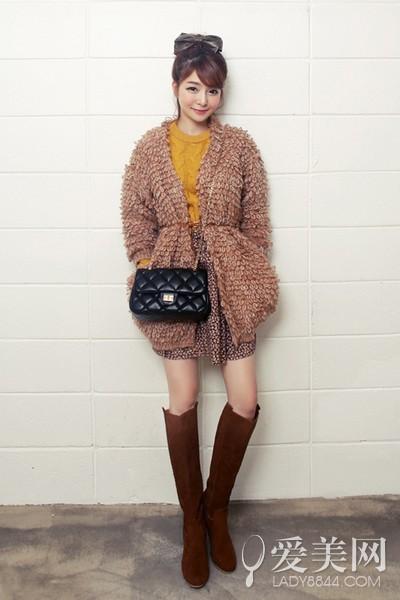 毛衣+高腰裙 甜美迷人复古style