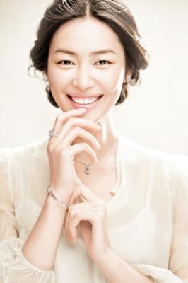 美国成年人眼中的中国第一美女刘雯