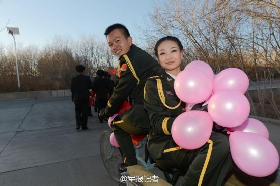 边防军人的三轮车婚礼