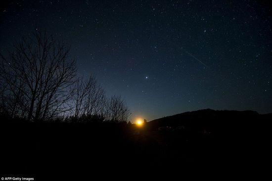 英國上空拍到的雙子座流星雨絕美照片