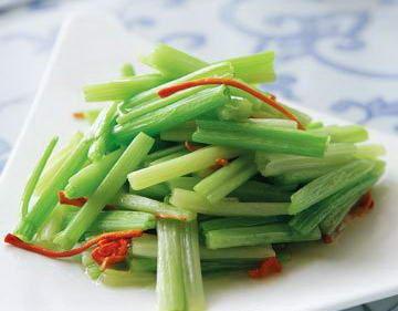 """芹菜是""""负卡路里""""食物 8种食物怎么吃都不胖"""