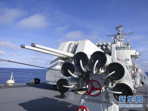 中国海军舰队穿越宫古海峡进入太平洋