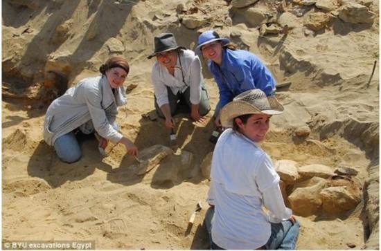 慈禧太后遗体出土时的景象 埃及现百万具1500年前木乃伊尸体图片