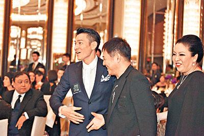 近日放假中的刘德华除陪爱女面试外,前晚亦现身壹基金活动。