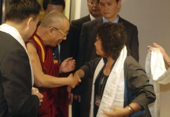 达赖喇嘛如今在国际上已经没有市场