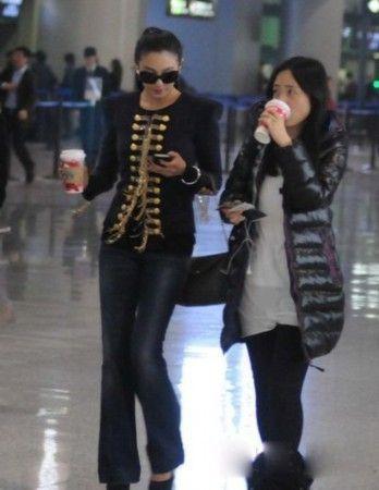 明星机场时尚造型对比 李敏镐朴信惠林志颖王力宏少女时代