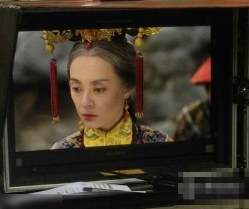 美版《甄�执�》片场照曝光 孙俪吓坏网友