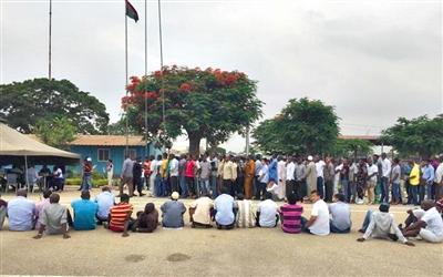 中方就安哥拉抓扣中國人提交涉 30余中國人被押