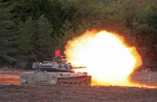 日本自卫队首次办坦克大赛
