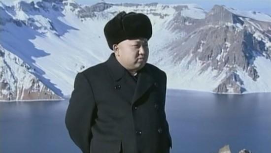朝鲜播出金正恩登顶白头山画面(网页截图)