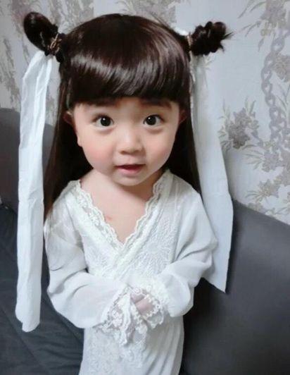 潮妈将儿子扮成小龙女走红 陈妍希版难敌替身