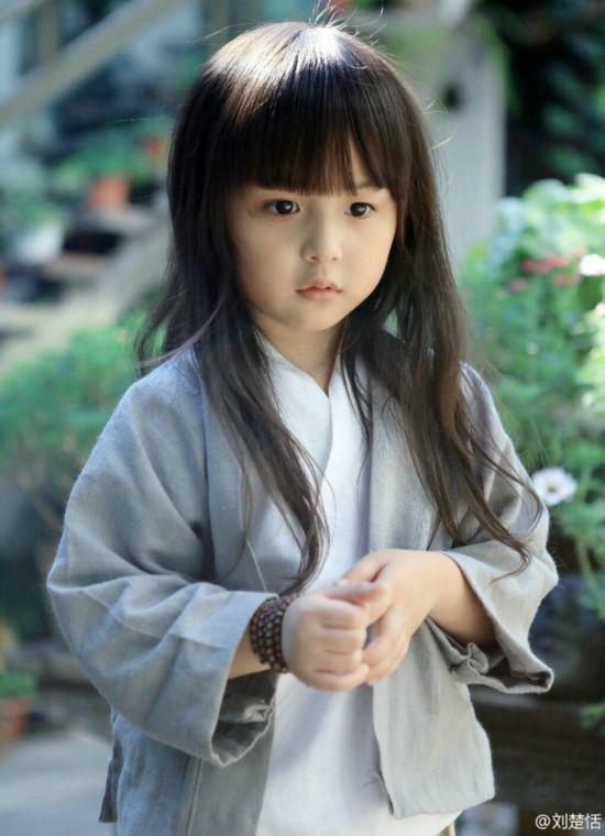 5岁萌娃化身汉服小萝莉美艳超多多(组图)