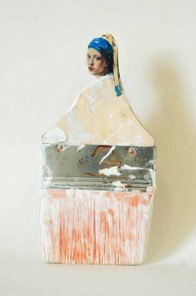 美雕刻艺术家将废弃画刷变优雅女性
