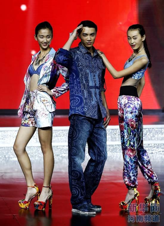 中国模特之星大赛落幕 河南选手石启帆获男子