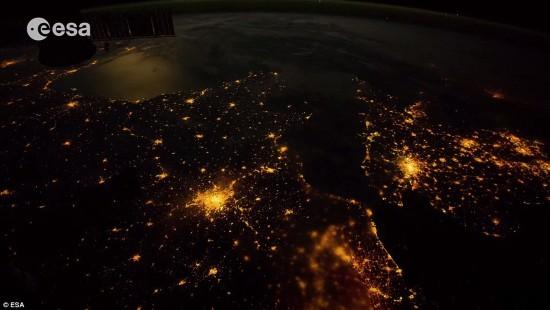 宇航員拍攝上萬張照片制作視頻 展現地球壯美景象