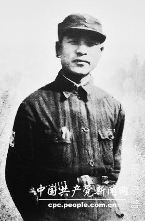 彭雪枫(1907~1944):新四军第四师师长兼政委和淮北军区司令员,1944年9月11日在指挥作战中牺牲