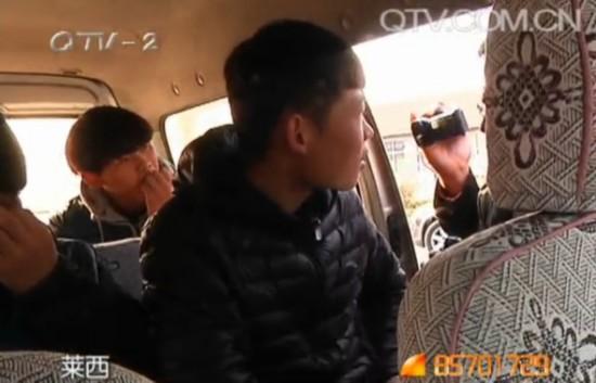学校门前黑车扎堆 千名学生出行隐患重重