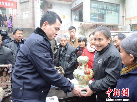 重庆捣毁一文物盗窃团伙三年间盗窃文物80余件