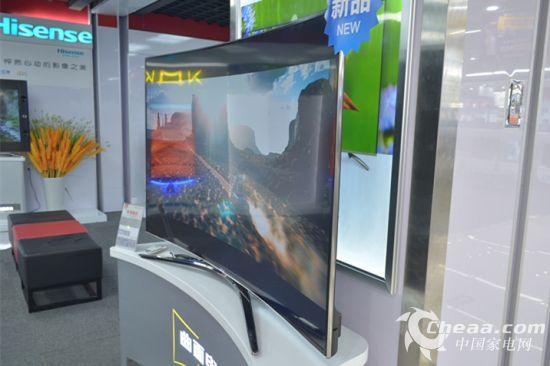 海信LED65XT810X3DU屏幕曲面半径达到了4000mm
