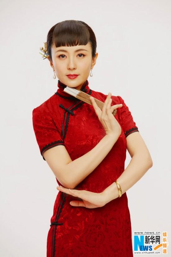 杨童舒新年曝光写真昆明红旗袍尽显古典东方哪里床有中国卖情趣图片