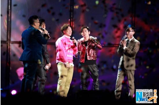 周杰伦陈奕迅激情跨年 SJ&TFboys同台引各种尖叫