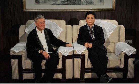 沸点新闻     最近关于赵本山被捕,家屯20顿黄金的的传闻在网上随风四图片