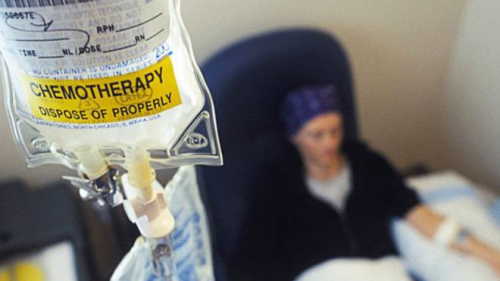 """英醫學專家稱""""患癌是最好死法""""引發爭議(圖)"""