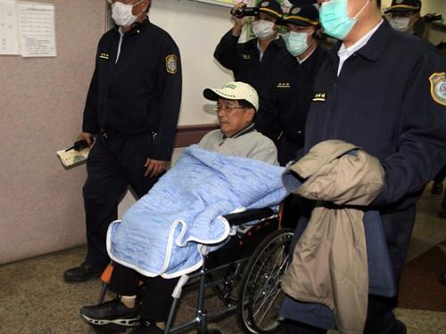 陈水扁获准保外就医1个月届时再评估