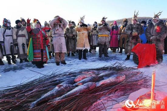 """年年有""""鱼"""":鄂伦春族冬捕节举行开捕仪式"""