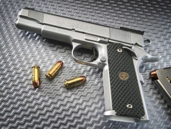 调查:过半美国人认为公民拥枪比枪支管制更重要