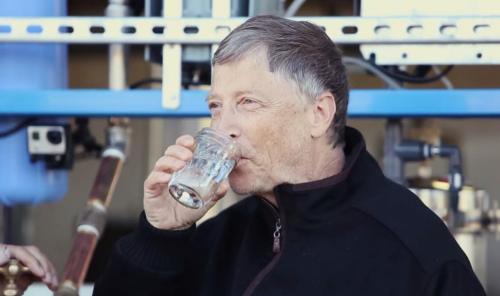盖茨体验排泄物转饮用水机器大赞想每天喝(图)
