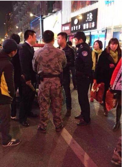 福建晋江街头数名男子持刀砍人 有9人受伤