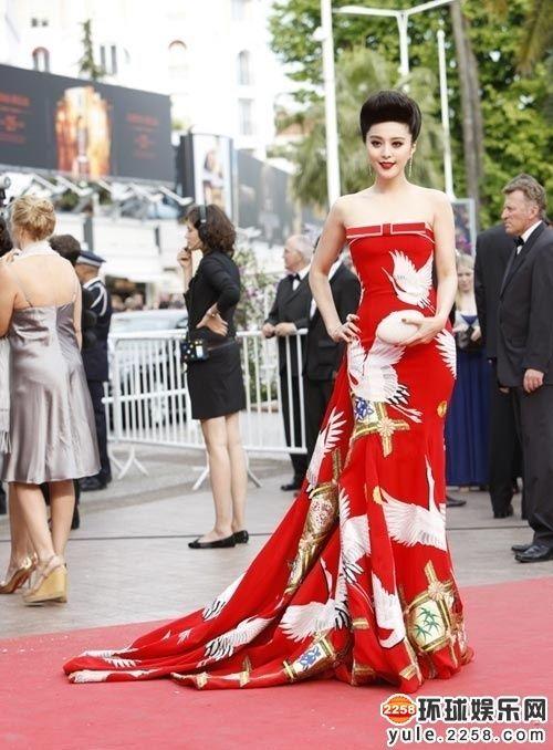 王菲章子怡出场费百万 吸金速度超印钞机的女星