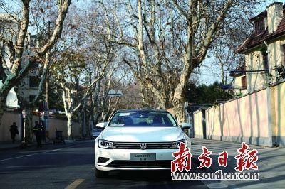 挑战最美 试驾上海大众凌渡高清图片