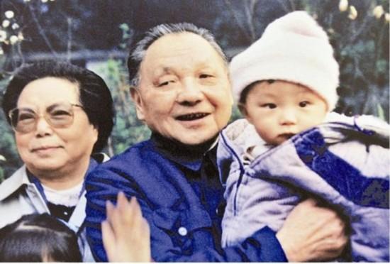 毛泽东生前与毛新宇为何一直未能相见没留合影图片