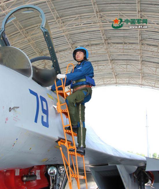 海军某部继王伟后又一飞行员牺牲 低空训练坠海