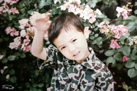 鹿晗童年照被赞母胎美男 中韩明星童年照对比
