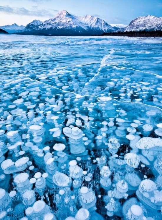 """那些美到令人窒息的""""冰冻湖泊"""""""