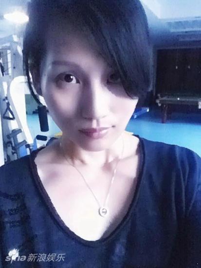 邓超姐姐近照曝光 颇似袁泉引网友们称赞