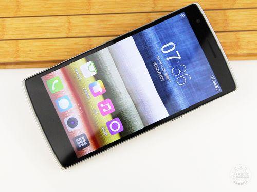 跳出价格战 国产2000元手机都在玩什么
