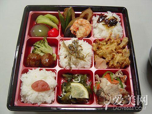 铁路PK战:中国火车便当VS日本美食盒饭在美食街哪里耀华路图片