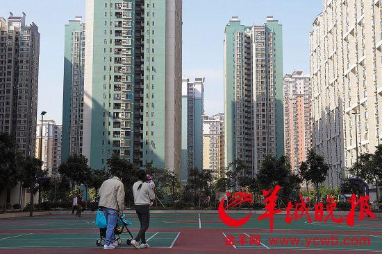 芳和花园保障房小区2011年年底入住,住户主要是中低收入者