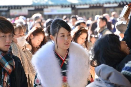 日本成人碟片种子_日本少女成人礼现场 个个惊艳动人(图)