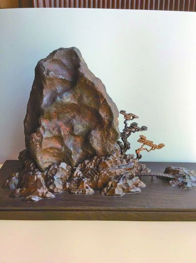 铁陨石。 图片均由受访者庞炳�龊耸堤峁�
